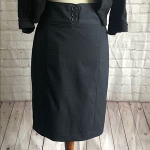 The limited pencil skirt NWOT 8, Nvy Blu pinstripe